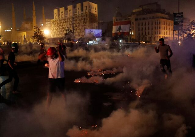 احتجاجات تعم شوارع بيروت والمتظاهرون يطالبون استقالة حكومة لبنان، 8 أغسطس/ آب 2020
