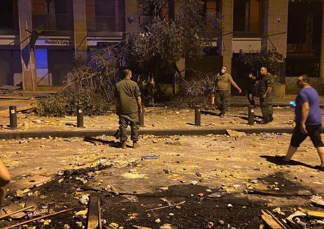 إستنفار عسكري كبير في وسط بيروت لإعادة الهدوء بعد المواجهات العنيفة