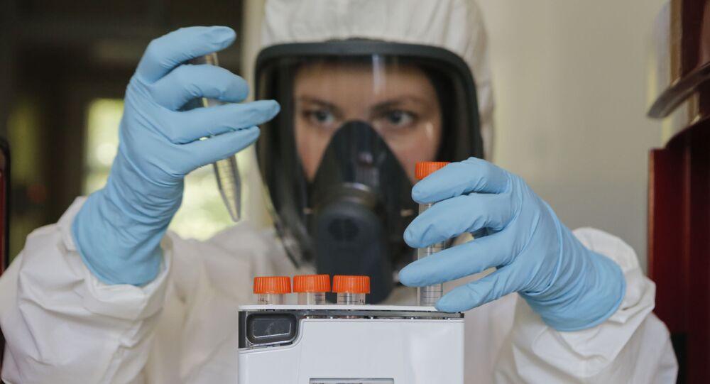 إنتاج اللقاح الأول سبوتنيك V ضد كوفيد-19