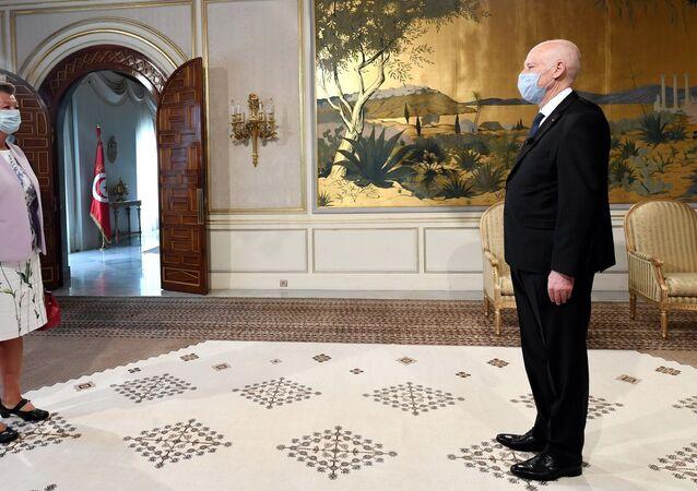 الرئيس التونسي يناقش ملف الهجرة مع وفد إيطالي