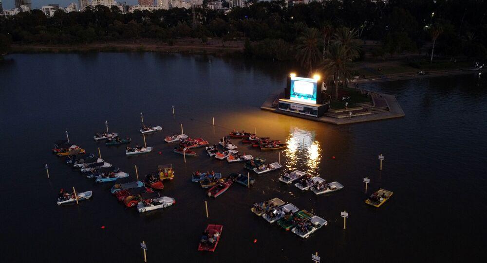 السينما العائمة في تل أبيب، إسرائيل، 20 أغسطس/ آب 2020