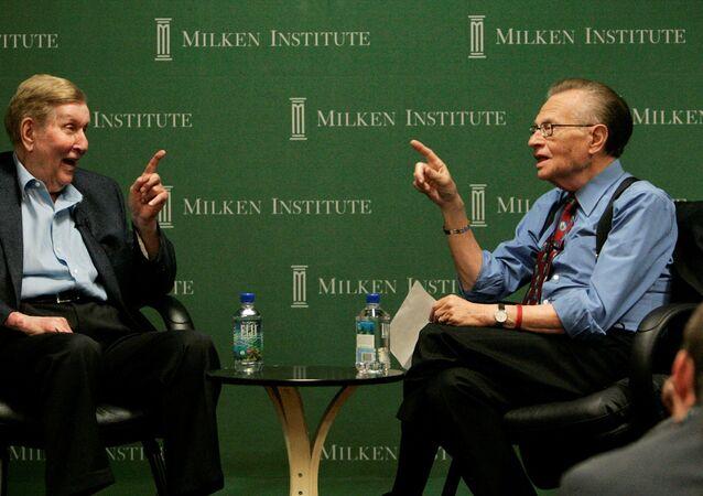 الإعلامي الأمريكي، لاري كينغ، في إحدى مقابلاته
