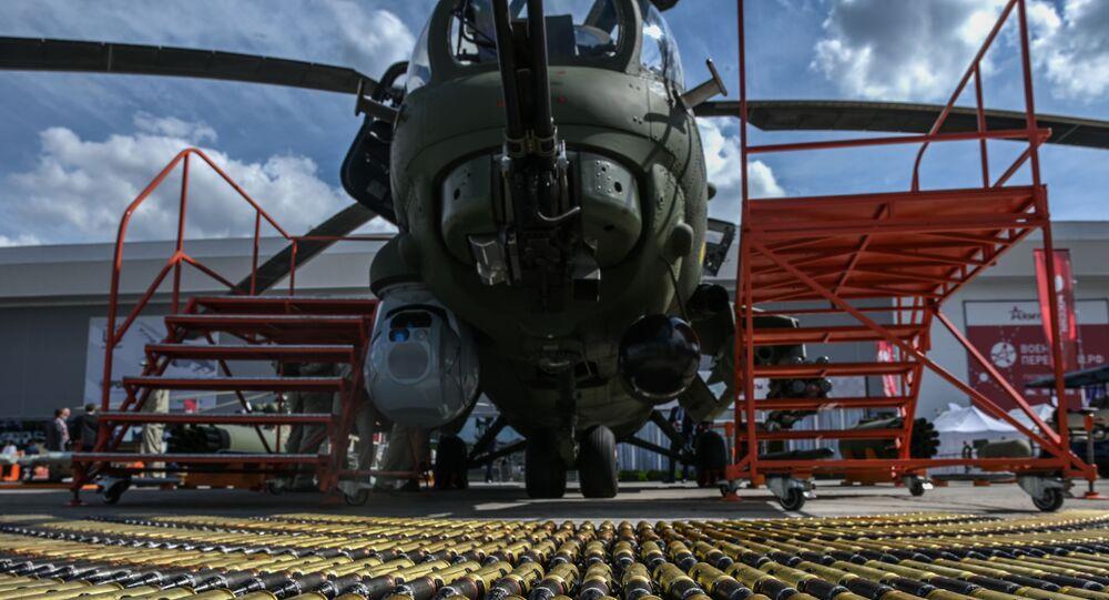 مروحية مي - 28 إن (صياد الليل) في معرض أرميا 2020 الدولي للأسلحة والمعدات العسكرية في الحديقة العسكرية الوطنية باتريوت بضواحي موسكو