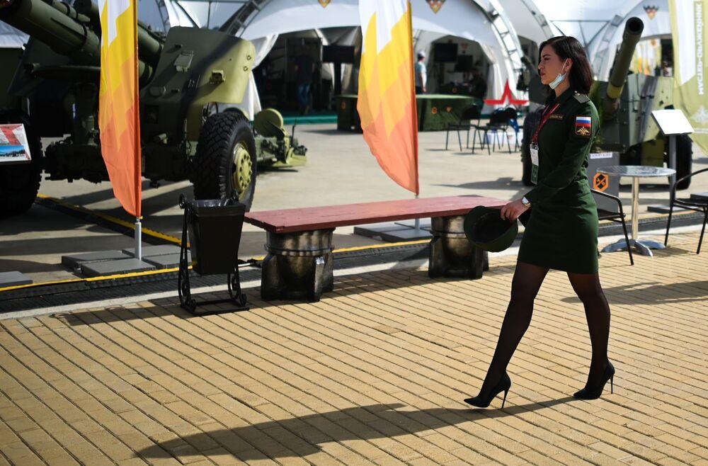 مشاركة عسكرية في افتتاح معرض أرميا 2020 الدولي للأسلحة والمعدات العسكرية في الحديقة العسكرية الوطنية باتريوت بضواحي موسكو