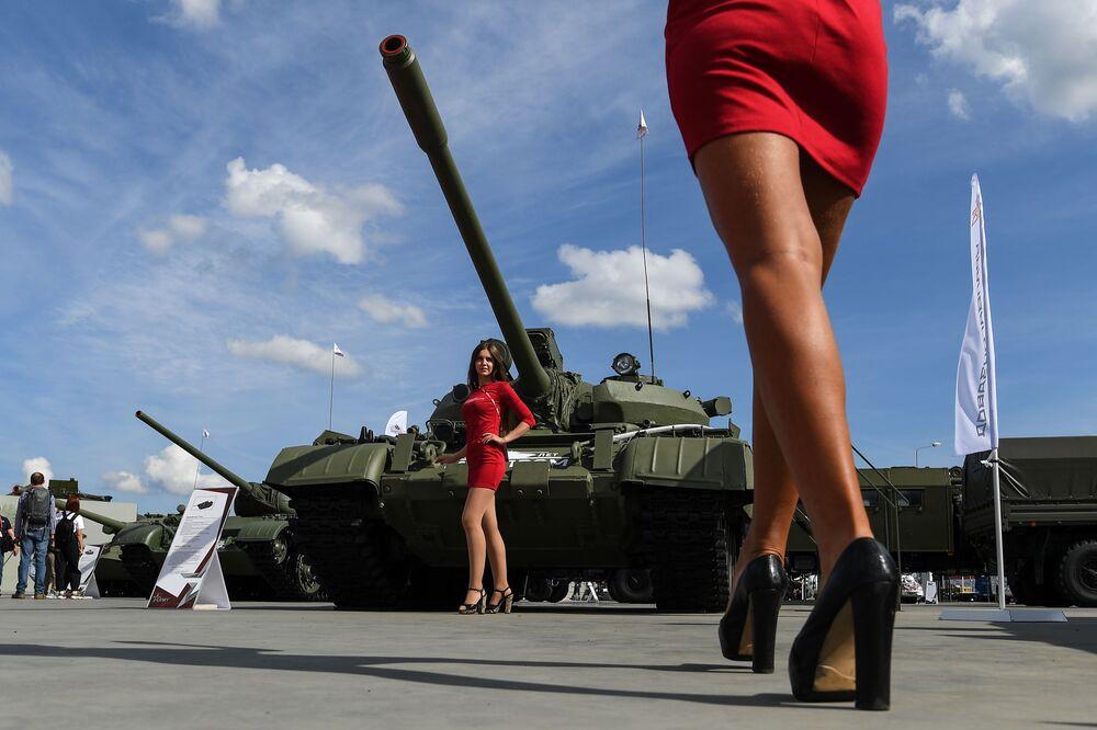 افتتاح معرض أرميا 2020 الدولي للأسلحة والمعدات العسكرية في الحديقة العسكرية الوطنية باتريوت بضواحي موسكو - دبابة تي-55أ