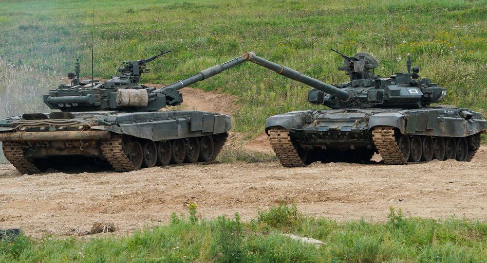 منتدى أرميا 2020 في حقل ألابينو العسكري في ضواحي موسكو - دبابة تي-72 بي3
