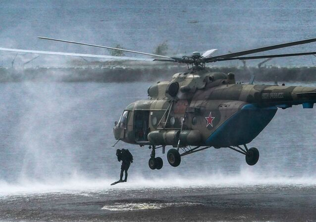 منتدى أرميا 2020 في حقل ألابينو العسكري في ضواحي موسكو - مروحية مي - 8