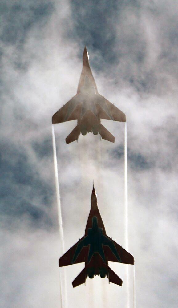 عرض جوي عسكري في منتدى أرميا 2020 في كوبينكا بضواحي موسكو - المقاتلات ميغ - 29