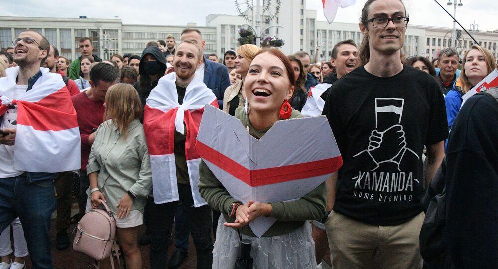 مظاهرة المعارضة البيلاروسية على ساحة الاستقلال في مدينة مينسك، بيلاروسيا 25 أغسطس/ آب 2020