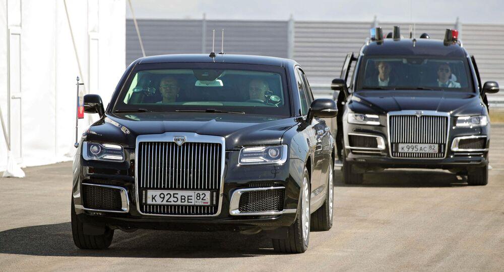 بوتين يقود سيارة أوروس على مسار تافريدا الجديد على جسر القرم، روسيا 27 أغسطس 2020