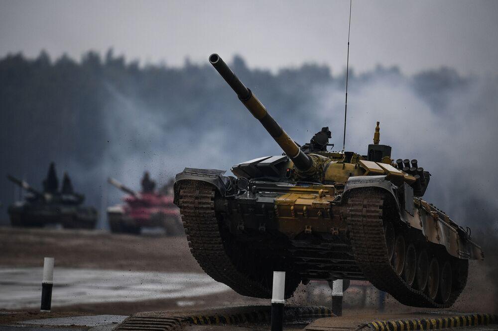 القوات المسلحة من كازاخستان خلال بياثلون الدبابات 2020 في حقل ألابينو، في إطار المنتدى العكسري الدولي أرميا 2020 والألعاب العسكرية الدولية أرمي 2020 (الجيش 2020)