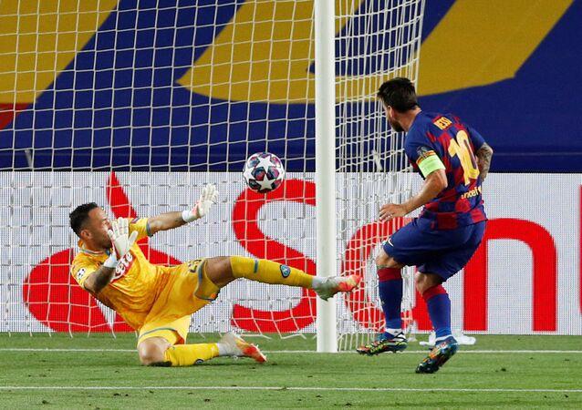 الأرجنتيني ليونيل ميسي، لاعب فريق نادي برشلونة في إسبانيا، 2020