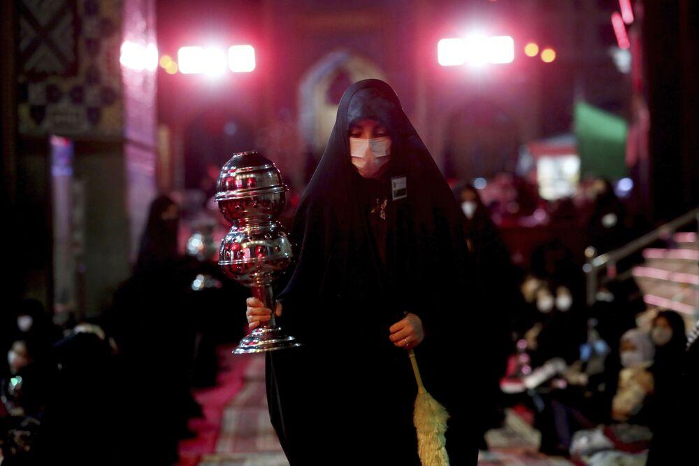 إحياء يوم عاشوراء في طهران، بالرغم من تفشي فيروس كورونا في إيران، 30 أغسطس 2020