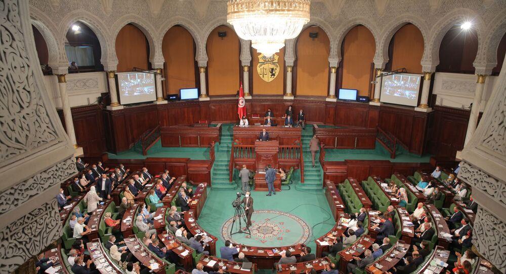 الجلسة العامة في البرلمان التونسي المخصصة لمنح الثقة لرئيس الحكومة المكلف هشام المشيشي وفريقه الحكومي، 1 سبتمبر/ أيلول 2020