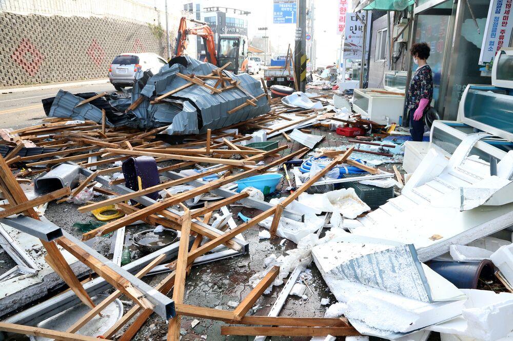 آثار إعصار مايساك في مدينة بوهانغ، كوريا الجنوبية 3 سبمتبر 2020