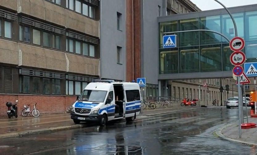 سيارة إسعاف تقف أمام مشفى شاريتي في برلين في ألمانيا، أغسطس 2020