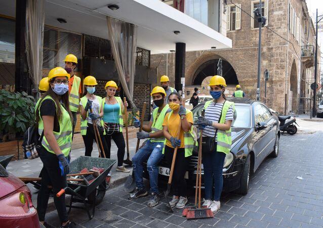 استمرار عمليات رفع الأنقاض وإزالة الركام والدمار من المناطق المحيطة بمرفأ بيروت، لبنان