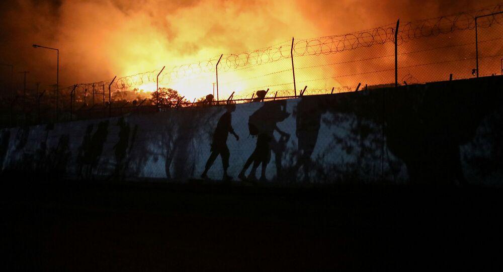 اندلاع حريق في مخيم موريا المكتظ باللاجئين في اليونان، 9 سبتمبر 2020