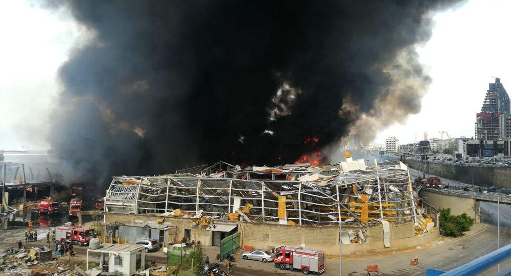 اندلاع حريق كبير في مرفأ بيروت، لبنان 10 سبتمبر 2020