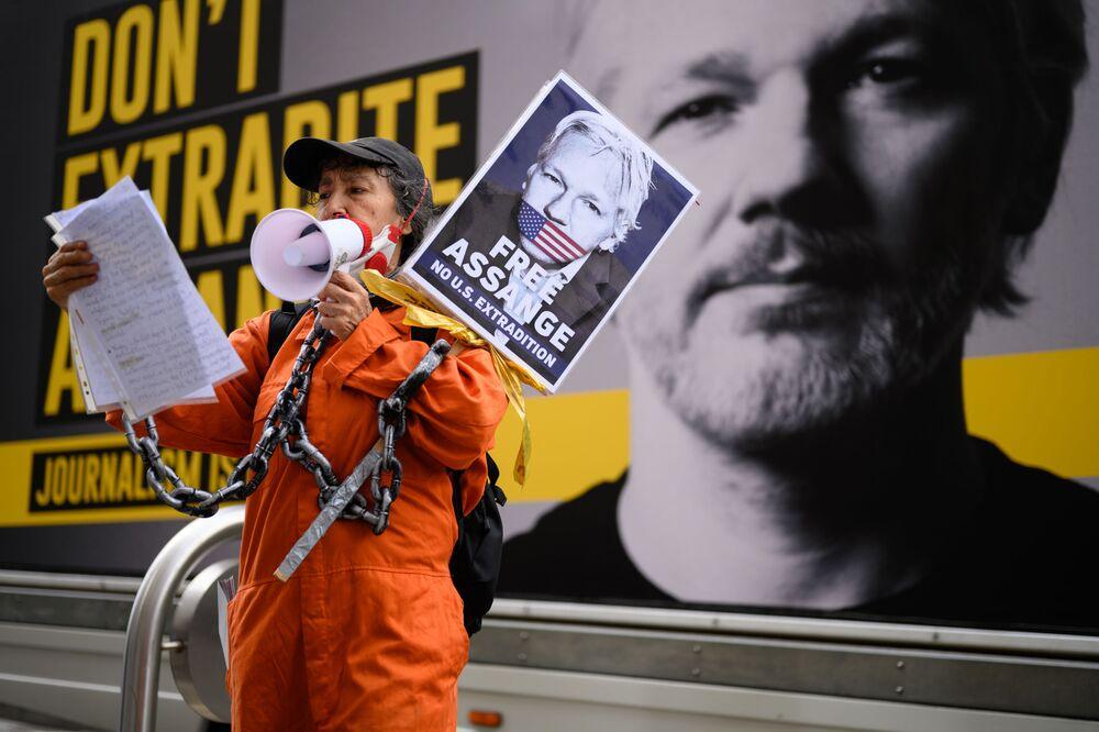 مؤيدو جوليان أسانج يحتشدون ضد تسليمه في لندن، بريطانيا 7 سبتمبر 2020