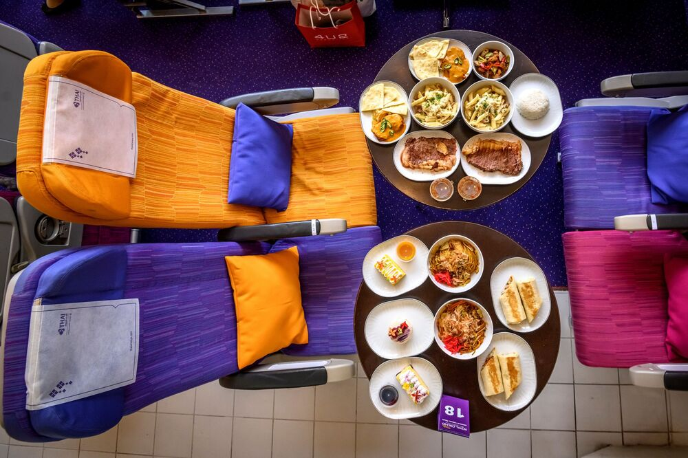 مطعم على متن طائرة في بانكوك، 10 سبتمبر 2020
