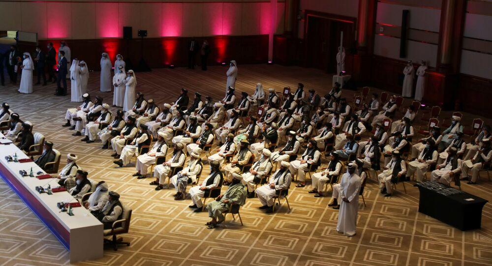الجلسة الافتتاحية لمفاوضات السلام بين الحكومة الأفغانية وحركة طالبان، المنعقدة في الدوحة، قطر 12سبتمبر 2020