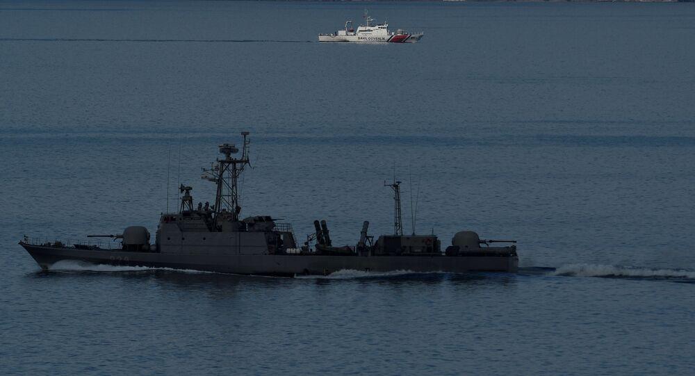 سفينة تركية في البحر المتوسط