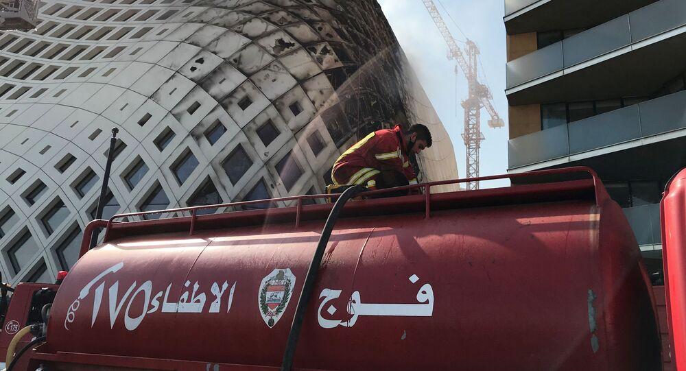 اندلاع حريق داخل مجمع تجاري في وسط بيروت، لبنان 15 سبتمبر 2020
