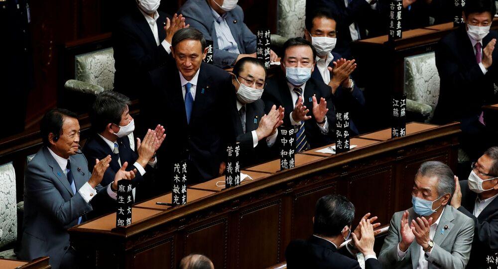 رئيس وزراء اليابان يوشيهيدي سوجا