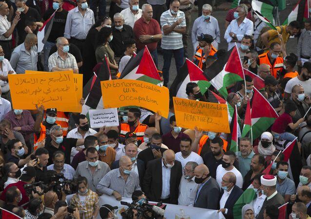 مظاهرات عقب توقيع اتفاق السلام بين إسرائيل والإمارات والبحرين في رام الله، الضفة الغربية 15 سبتمبر 2020