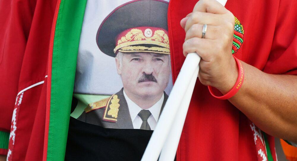 مسيرة لدعم رئيس بيلاروسيا الحالي ألكسندر لوكاشينكو في  العاصمة مينسك، بيلاروسيا 16 سبتمبر 2020