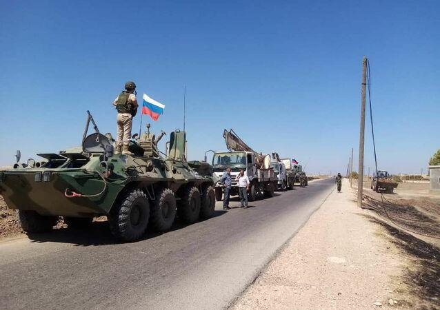 الشرطة العسكرية الروسية تعمل على مرافقة الورش الفنية التابعة لشركة الكهرباء ومؤسسة المياه الحكوميتين بمحافظة الحسكة السورية