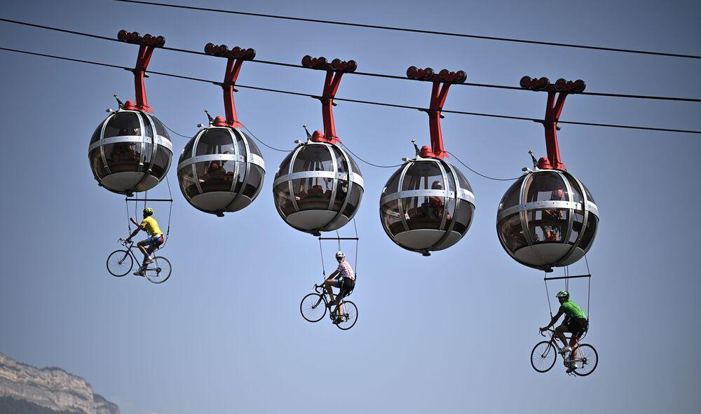 مسابقة الدراجات غرونوبل باستيل على طول مسافة 170 كيلومترا بين غريبيل وميربيل، فرنسا 16 سبتمبر 2020