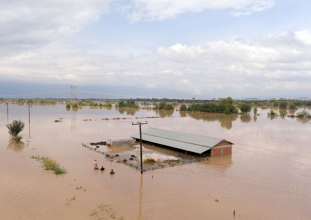 فيضانات اليونان