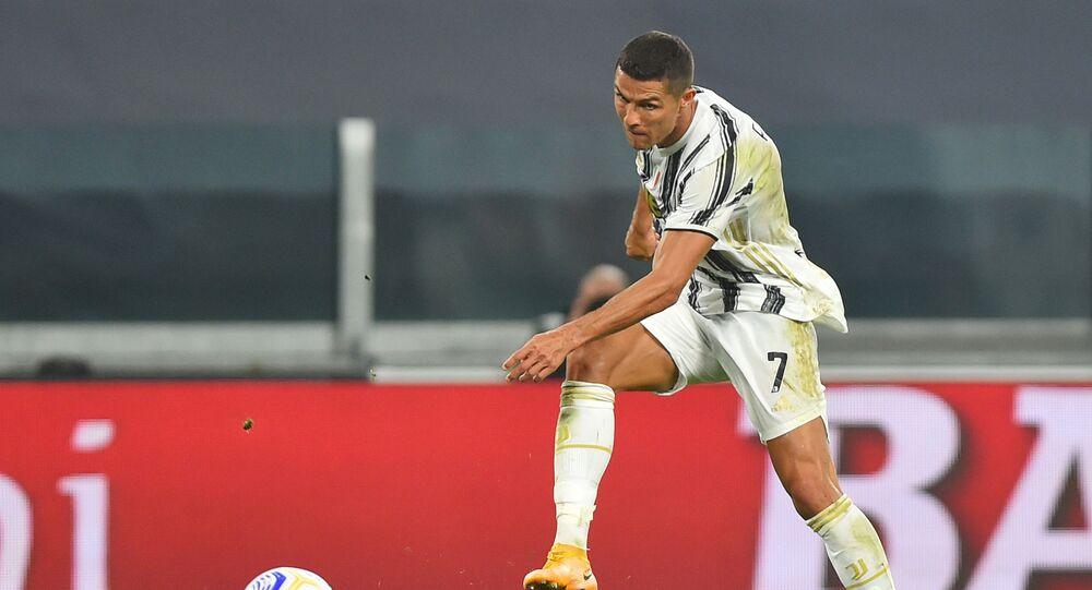 كريستيانو رونالدو يسجل هدفا في مباراة يوفنتوس وسامبدوريا  بالدوري الإيطالي 20 سبتمبر أيلول 2020