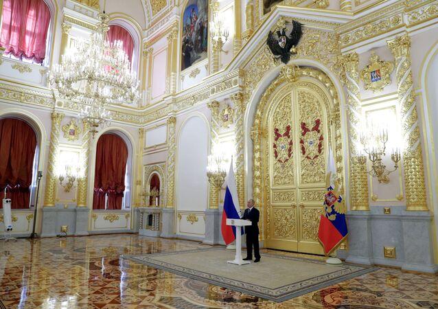 الرئيس الروسي، فلاديمير بوتين خلال لقائه بأعضاء مجلس الشيوخ، موسكو 23 سبتمبر 2020