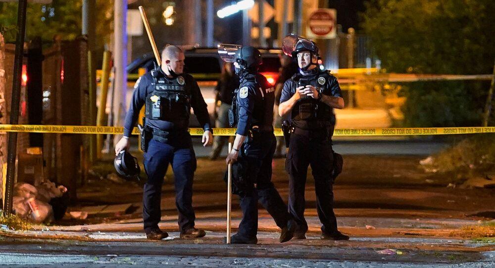 إصابة شرطي بالرصاص في احتجاجات بريونا تايلور بولاية كنتاكي الأمريكية  24 سبتمبر أيلول 2020
