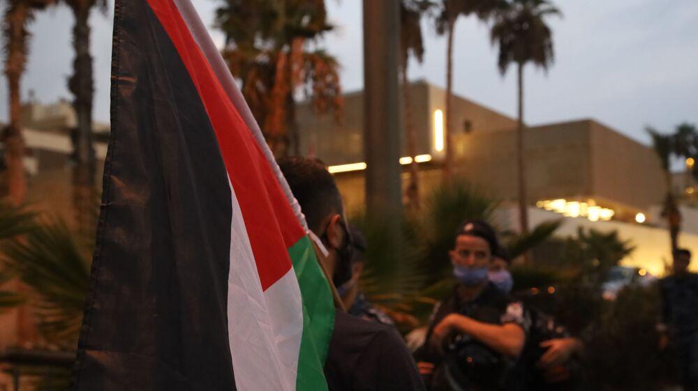 تظاهرة ضد التطبيع مع إسرائيل أمام سفارة دولة الإمارات في بيروت، لبنان سبتمبر 2020