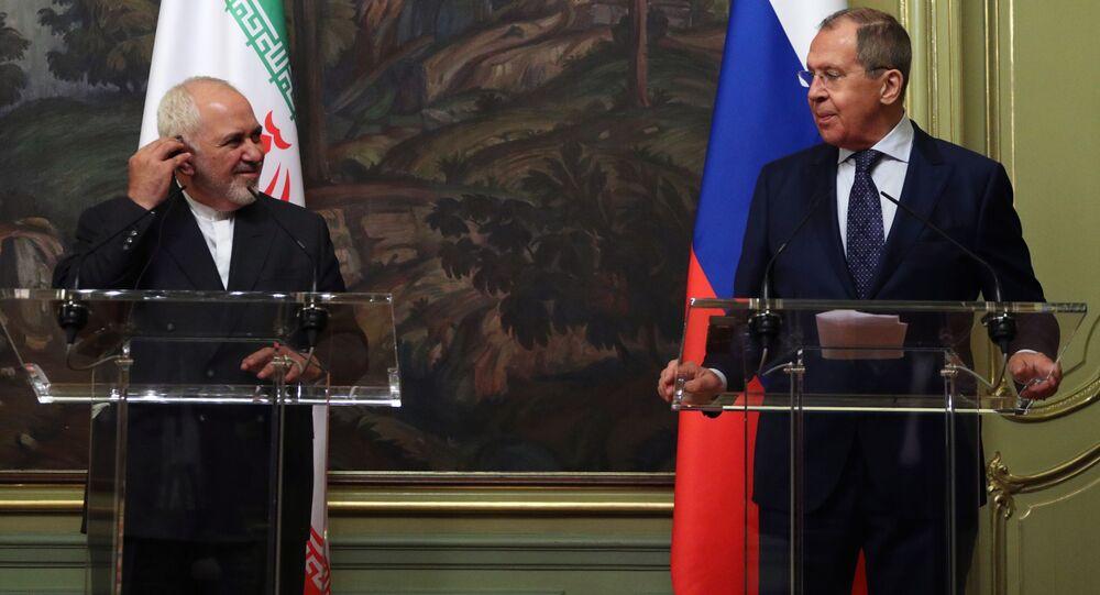وزير الخارجية الإيراني محمد جواد ظريف و وزير الخارجية الروسي سيرغي لافروف في موسكو، صورة من الأرشيف يوليو 2020