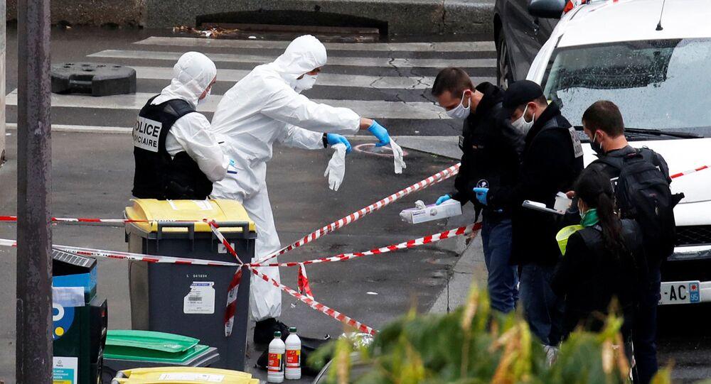 إصابات في حادث طعن أمام المقر القديم لجريدة شارلي إبدو في باريس، فرنسا 25 سبتمبر 2020