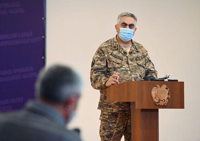 المتحدث باسم وزارة الدفاع الأرمينية آرتسرون هوفهانيسيان