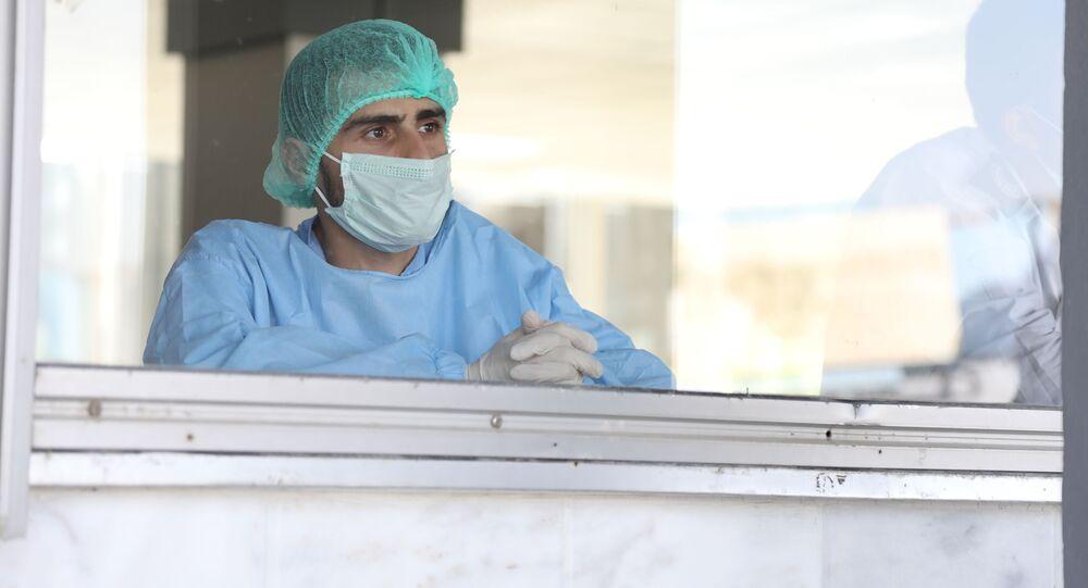 مطار دمشق الدولي يعود للعمل بعد نحو غياب سبعة أشهر بسب اجراءات كورونا الوقائية، سوريا 1 أكتوبر 2020