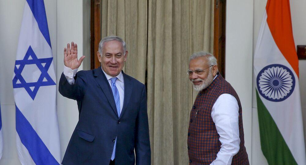 رئيس الوزراء الإسرائيلي بنيامين نتنياهو مع نظيره الهندي ناريندرا مودي