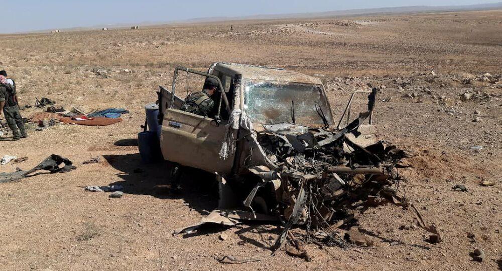 الجيش السوري يحيد إرهابيين ويدمر لهم سيارة برشاش شرقي حماة