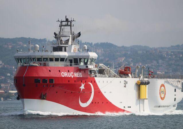 السفينة التركية أوروتش رئيس التي تقوم بالتنقيب عن الغاز شرق البحر المتوسط