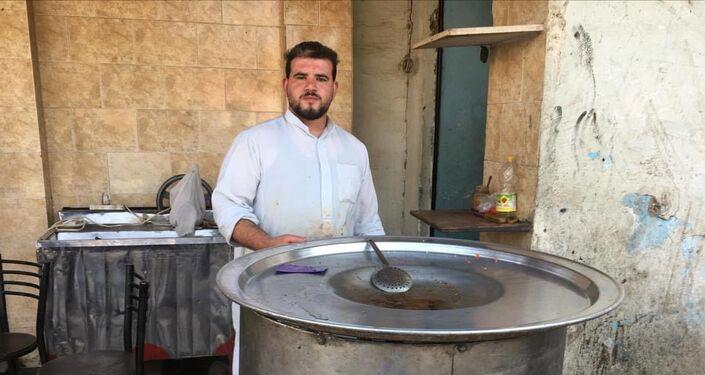 صاحب مطعم كبدة بمدينة كرداسة في مصر