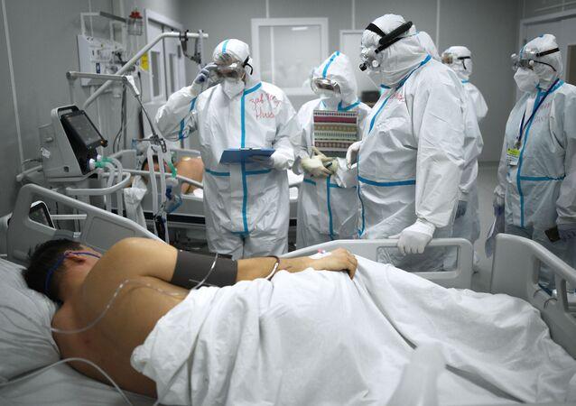 المشفى المؤقت لاستقبال مرضى كوفيد - 19 في سوكولنيكي في العاصمة موسكو، روسيا 12 أكتوبر 2020
