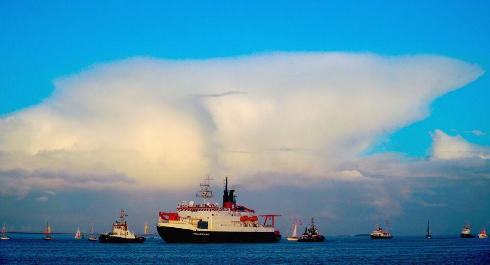 كاسحة الجليد بولارشترين تعود إلى ميناء بريميرهافن، ألمانيا 12 أكتوبر 2020