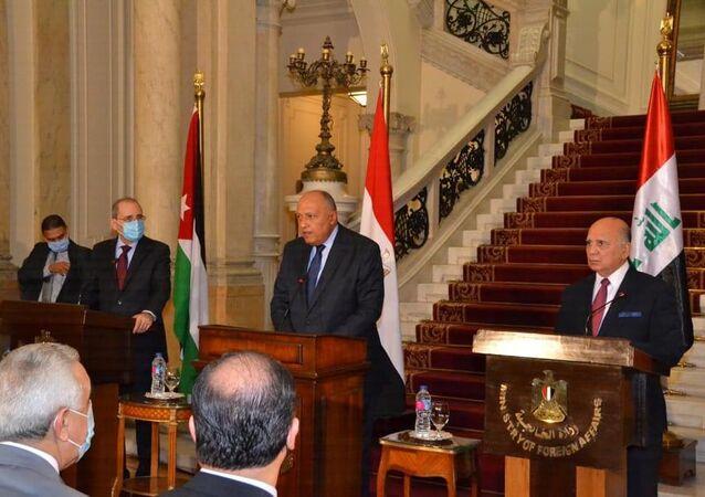 المؤتمر الصحفي لوزراء خارجية الأردن ومصر والأردن في مقر وزارة الخارجية المصرية بالقاهرة
