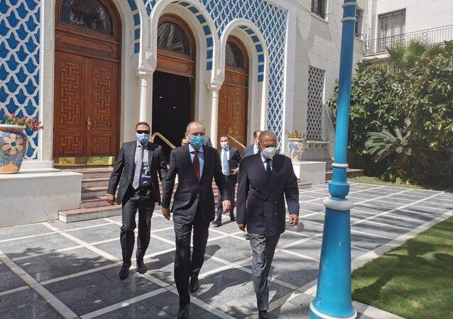 الأمين العام لجامعة الدول العربية أحمد غيط يستقبل وزير خارجية الأردن أيمن الصفدي